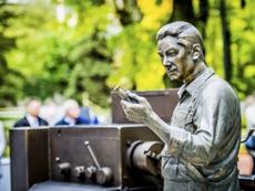 Открытие памятника токарю